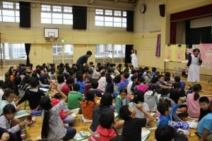 小学生向けにわかりやすく話された助産師の深澤先生